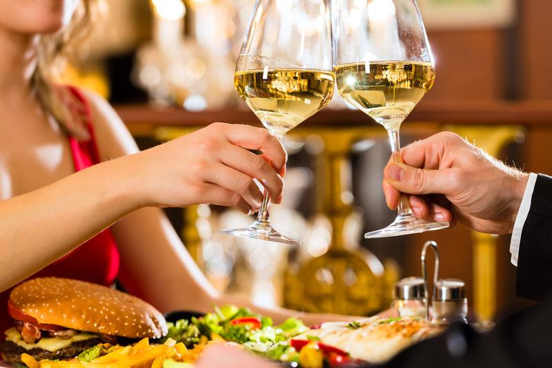 Романтический ужин с вином